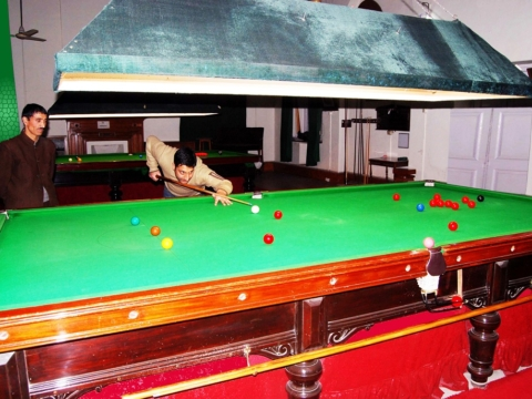 Billiard-Hall11